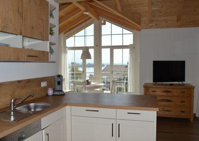 Haus Chiemseeblick | FeWo Fraueninsel | Küche mit Ausblick